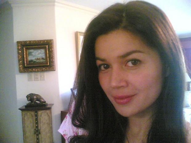 donna cruz selfie 2 2005