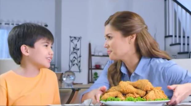 Donna Cruz and son Gio in Crispy Fry Breading Mix TVC